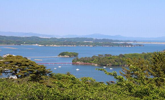 遊覧船で松島湾の島めぐり
